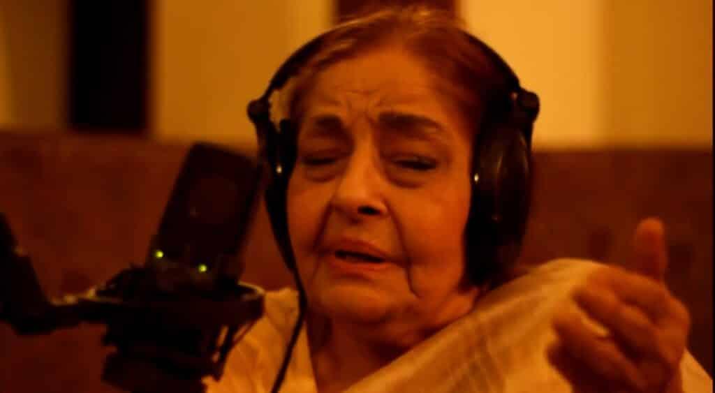 Aaj Jaane Ki Zid Na Karo Lyrics In Hindi