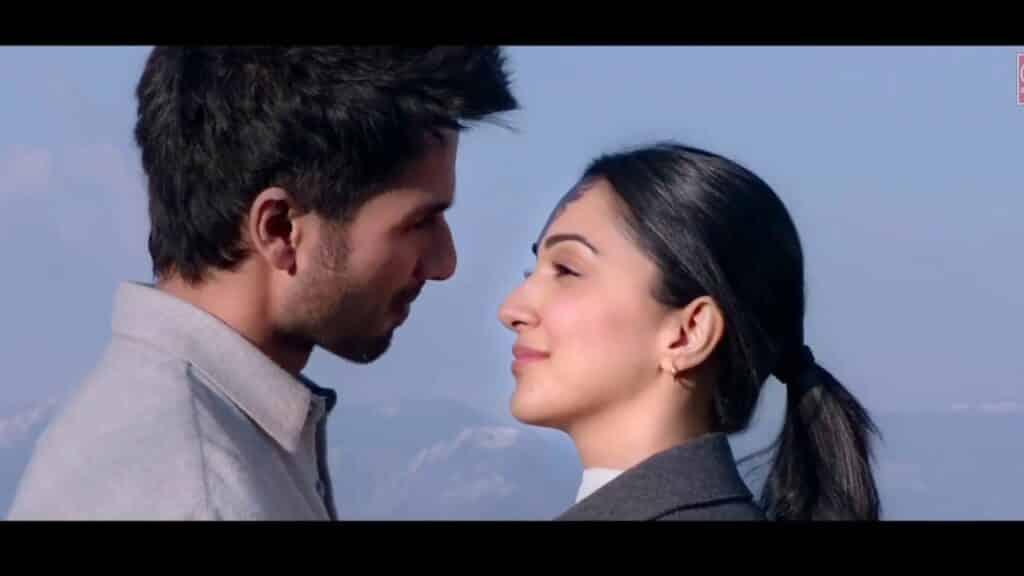 Tujhe Kitna Chahne Lage Hum Lyrics In Hindi