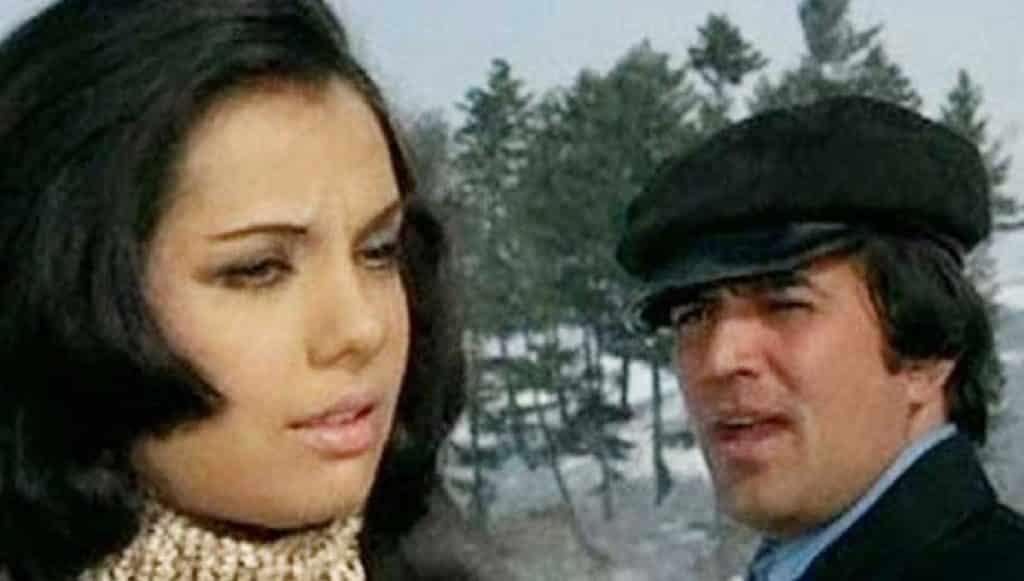 Karvaten Badalte Rahe Lyrics In Hindi