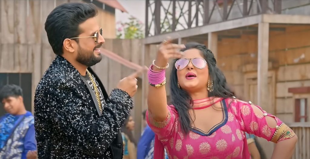 Chunari Jhalkaua 2 Lyrics In Hindi