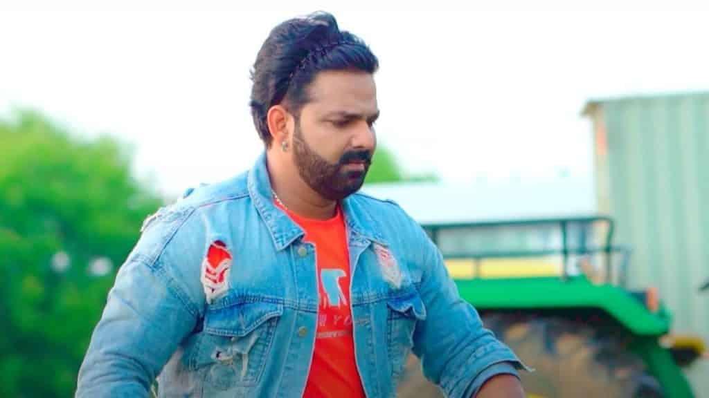 Majanuaa Pitata Lyrics - Pawan Singh